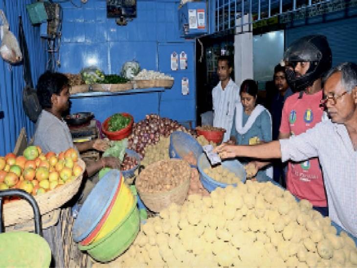 10 दिन में टमाटर डेढ़ गुना आलू-प्याज 25% महंगा|धनबाद,Dhanbad - Dainik Bhaskar