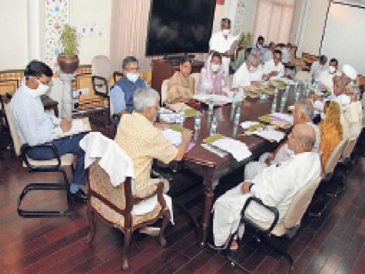 डॉ. सीपी जोशी ने कहा- कमेटियों की परफॉर्मेंस कमजोर, दिए काम नहीं हो रहे|जयपुर,Jaipur - Dainik Bhaskar