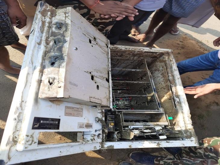 अपराधियों ने ATM काट 21 लाख 10 हजार 600 रुपएनिकाले, मशीन को नहर में फेंका|पटना,Patna - Dainik Bhaskar