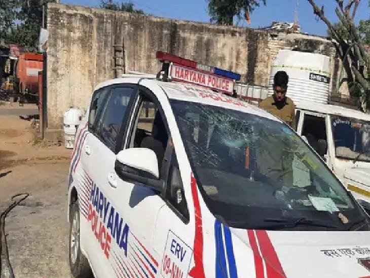 हरियाणा में किसानों का पुलिस पर पथराव, डायल-112 और PCR की गाड़ियां तोड़ी; खाद की किल्लत को लेकर जाम लगाया|देश,National - Dainik Bhaskar
