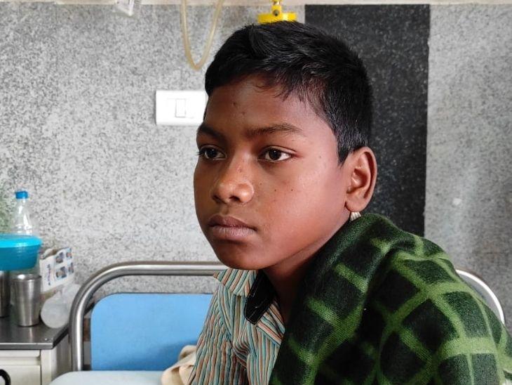 घुटने लगा था बच्चे का दम, RIMS के सर्जन की टीम ने 4 घंटे की मेहनत के बाद बच्चे को दी नई जिंदगी|रांची,Ranchi - Dainik Bhaskar