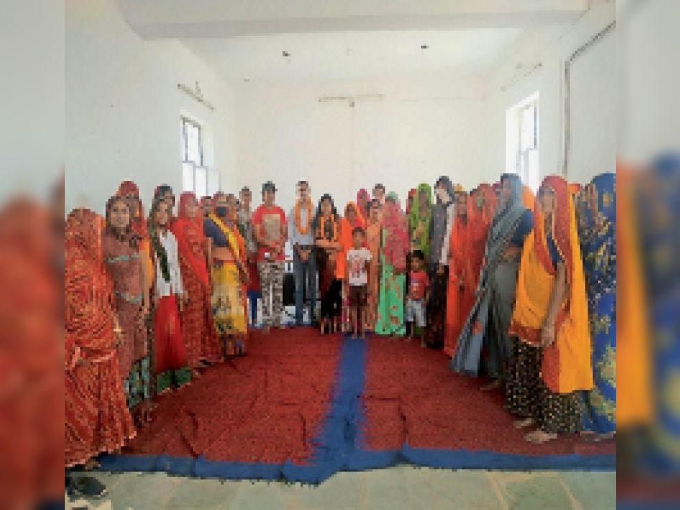 जाहोता पंचायत में महिला सशक्तिकरण को लेकर महिलाओं को सुरक्षा के गुर सिखाए|जयपुर,Jaipur - Dainik Bhaskar