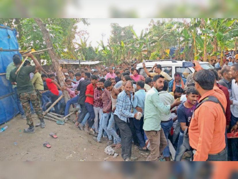 मतगणना स्थल के पास समर्थकों की भीड़ के कारण अव्यवस्था, पुलिस ने किया लाठीचार्ज|पटना,Patna - Dainik Bhaskar