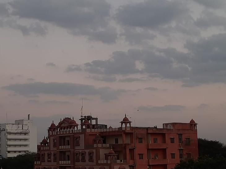 बीकानेर, जोधपुर संभाग में सुबह से छाए बादल, दो दिनों तक बारिश के रहेंगे आसार, तेज बिजली कड़केगी|जयपुर,Jaipur - Dainik Bhaskar