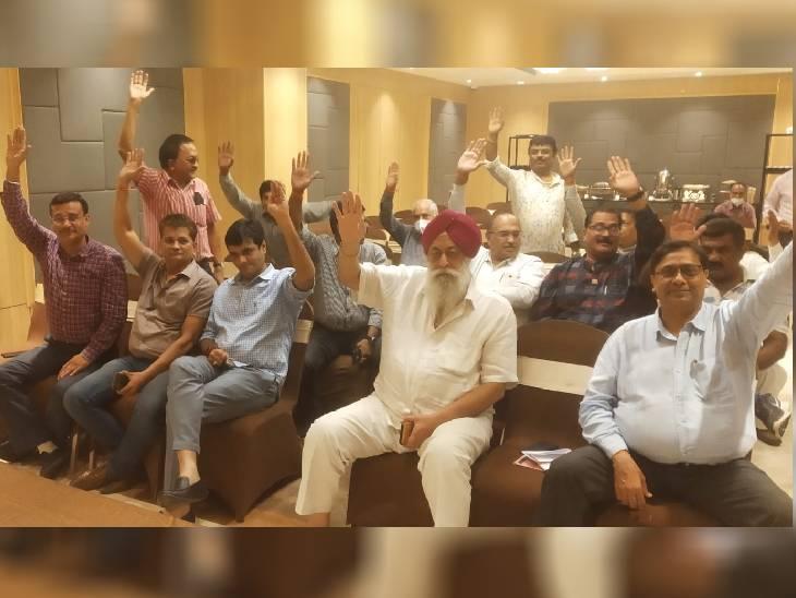 14 नवंबर को होगी वोटिंग, चुनाव अधिकारी बोले-हाईकोर्ट के आदेश पर करा रहे; पुलिस रही तैनात भोपाल,Bhopal - Dainik Bhaskar
