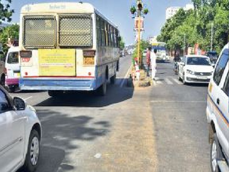 यादगार के सामने 5 की जगह 1 ही बस स्टॉप, रामबाग चौराहे के 100 मीटर आगे रुकेंगी बसें|जयपुर,Jaipur - Dainik Bhaskar