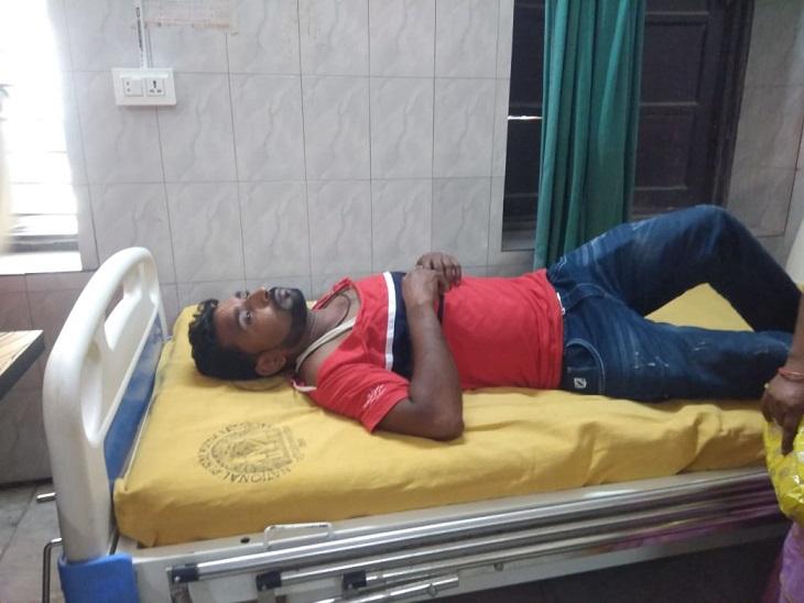 वार्ड पार्षद व कॉलेज कर्मी भिड़े, दोनों पक्ष ने एक-दूसरे पर लगाया आरोप; 2 घायल|मुजफ्फरपुर,Muzaffarpur - Dainik Bhaskar