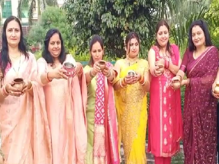 16 श्रृंगार करके हुईं तैयार, परिवार के लिए की खुशहाली की कामना|बागपत,Baghpat - Dainik Bhaskar