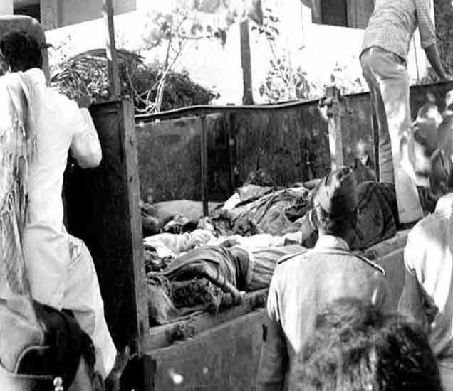 भोपाळ वायू दुर्घटना:भय इथले संपत नाही, ट्रकमधून रुग्णालयात आणले होते मृतदेह! देश,National - Divya Marathi
