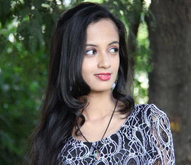 गाता गाता अभिनयात कशी आले कळलेच नाही, वाचा केतकी माटेगावकरचे मनोगत  - Divya Marathi