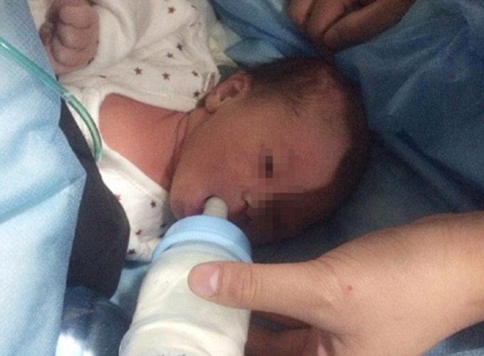 \'माता न तू वैरीणी\' नवजात अर्भकाला टॉयलेटमध्ये केले फ्लश, पाहा PICS|विदेश,International - Divya Marathi
