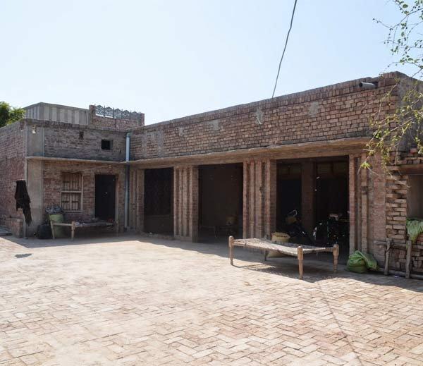 पाकिस्तानात शहीद भगत सिंग यांच्या पिढीजात घराचा जीर्णोद्धार; नेटिजन्सकडून आगपाखड!|देश,National - Divya Marathi