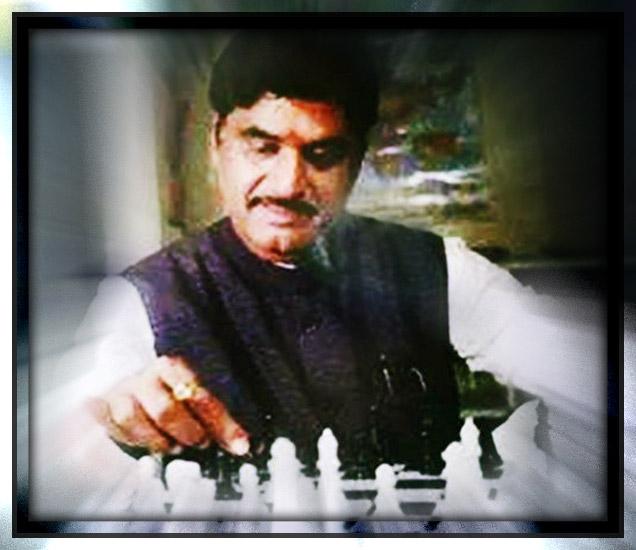 B\'day SPL: भल्याभल्यांना मात देणारे राजकीय पटावरील \'वजीर\', लोकनेते गोपीनाथ मुंडे| - Divya Marathi