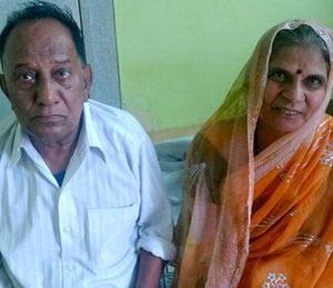 अजब गजब, वडीलांशी केले मेहुणीचे लग्न, लहान बहिण झाली मोठीची सासू  - Divya Marathi