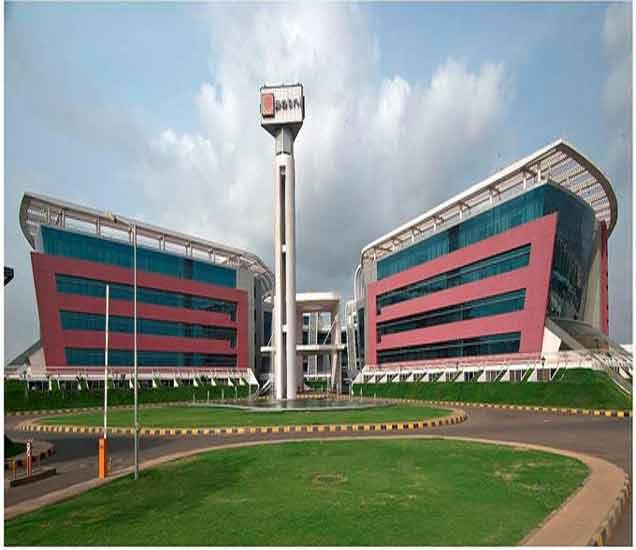 अद्भूत इंजीनिअरिंग: चटकन लक्ष वेधून घेतात मुंबई-पुण्यातील या भव्य आयटी वास्तू बिझनेस,Business - Divya Marathi