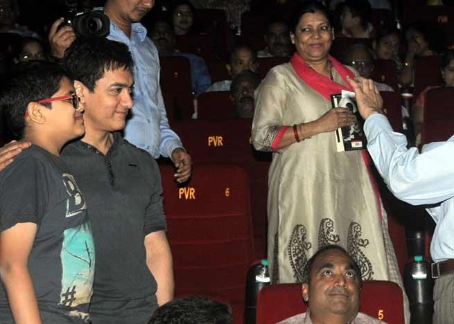 PK: पाच सेकंदांच्या भूमिकेने बदलले त्याचे आयुष्य; मिळाला जॉब, गर्लफ्रेंड आणि FB अकाउंट| - Divya Marathi