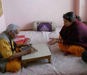 57.  वादग्रस्त स्मृती - डिग्री, ज्योतिष, संस्कृत  - Divya Marathi