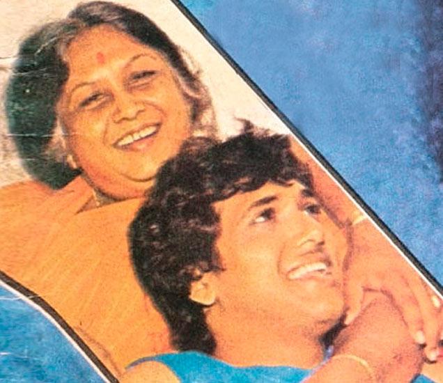 B\'day: 6 बहीण-भावांमध्ये धाकटा आहे गोविंदा , पाहा पर्सनल Life Photos  - Divya Marathi