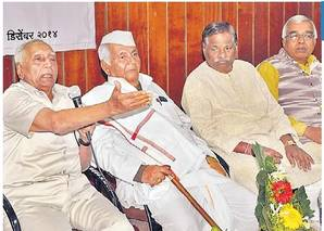 हिंदूराष्ट्र करण्याची इच्छा म्हणजे देशाच्या संविधानाचा अपमान सोलापूर,Solapur - Divya Marathi