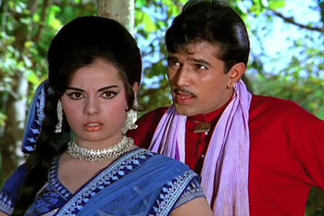 FACTS: तरुणींच्या KISSने गुलाबी होऊन जायची राजेश खन्ना यांची पांढ-या रंगाची कार| - Divya Marathi