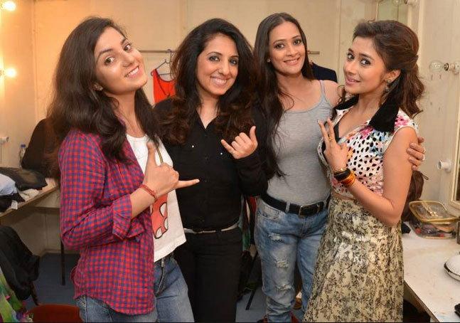 PHOTOS: 'डील वाली दुल्हनिया'च्या प्रीमियरला जमली टीव्ही स्टार्सची मांदियाळी|टीव्ही,TV - Divya Marathi