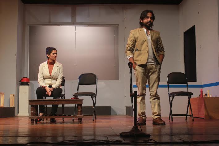 EXCLUSIVE : पाहा \'तळ्यात-मळ्यात\' नाटकाचा FIRST LOOK|मराठी सिनेकट्टा,Marathi Cinema - Divya Marathi
