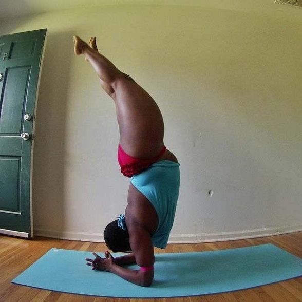 PHOTOS: कमालीची लवचिकता, लठ्ठ असूनही जिसनास्टसारखे फिरवू शकते शरीर  - Divya Marathi