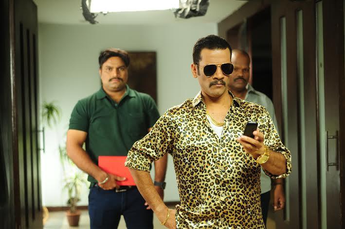 INTERVIEW :  जाणून घ्या, सतिश राजवाडेंचे कसे झाले 'राजाभाई'त परिवर्तन|मराठी सिनेकट्टा,Marathi Cinema - Divya Marathi