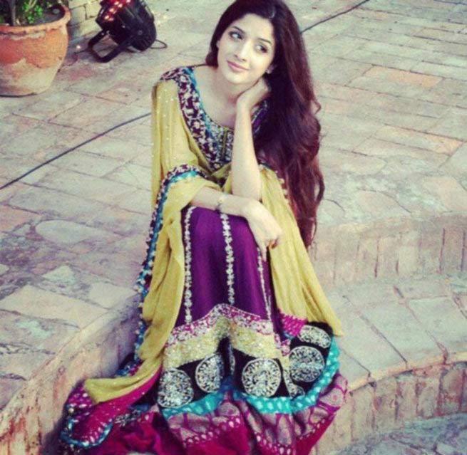 ही आहे रणबीर कपूरची पाकिस्तानी चाहती, आता बॉलिवूडमध्ये करणार एंट्री| - Divya Marathi