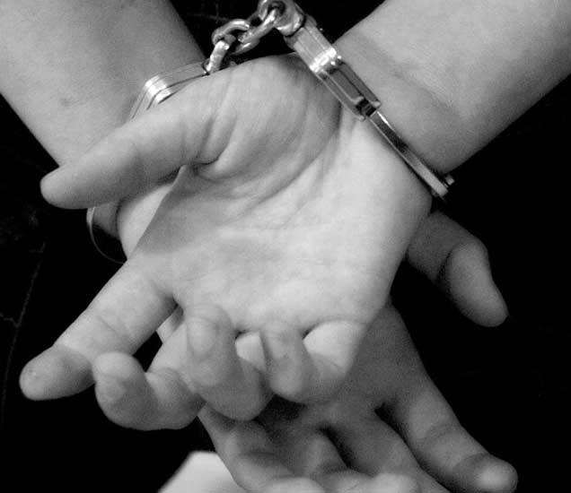 सूड घेण्यासाठी 15 वर्षाच्या तरुणीने केला 2 वर्षांच्या चिमुकलीचा MURDER|देश,National - Divya Marathi