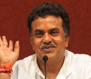 मोदी, स्वराज यांची पाठराखण करणाऱ्या पवारांची एसआयटी चौकशी करा : काँग्रेस मुंबई,Mumbai - Divya Marathi