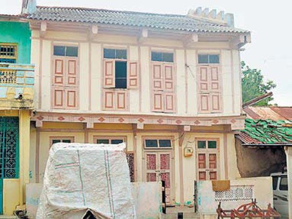 Exclusive: गुजराती वंशाचा होता ISIS आत्मघातकी हल्लेखोर तल्हा|देश,National - Divya Marathi