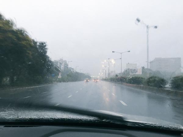 पहिल्याच पावसात मुंबईची कशी झाली तुंबापुरी, पाहा PHOTOS...|मुंबई,Mumbai - Divya Marathi