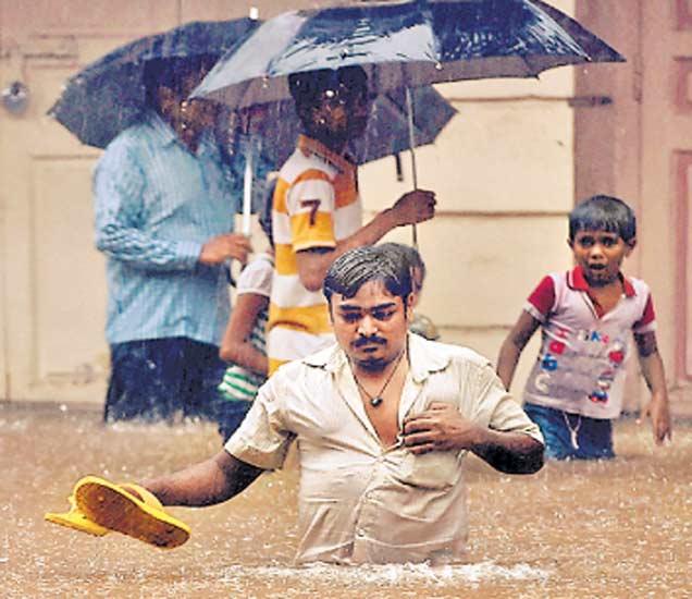 गाळ न काढल्याने मुंबई 'गाळा'त, सत्ताधारी, विराेधकांनाही मिळताे वाटा मुंबई,Mumbai - Divya Marathi