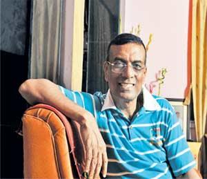 चंद्रशेखर घोष यांचे पूर्वी मिठाईचे दुकान, आता करणार बँकेचा कारभार|बिझनेस,Business - Divya Marathi