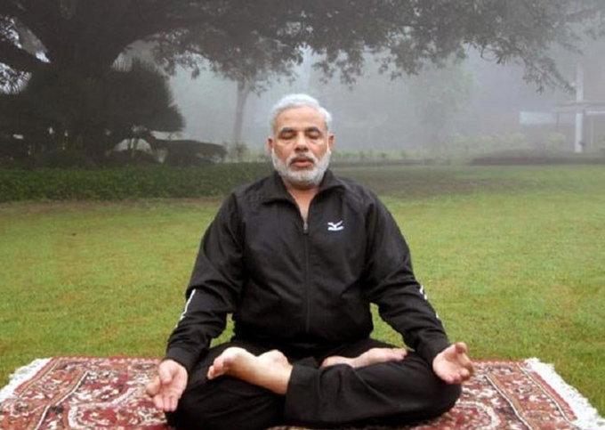 योगा डेः रशियन राष्ट्राध्यक्षांचा सवाल, काय मोदी खरोखरच योगा करतात?|विदेश,International - Divya Marathi