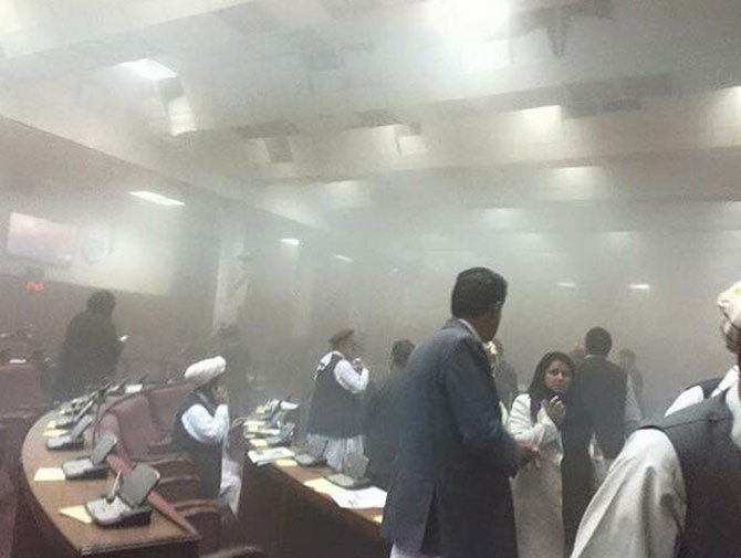 PHOTOS: अफगाणिस्तान संसदेवर दहशतवादी हल्ला, 6 ठार तर 30 जखमी विदेश,International - Divya Marathi