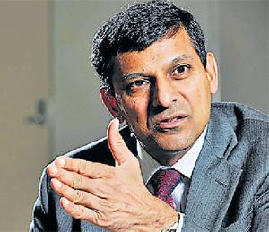 जगाची आर्थिक महामंदीकडे वाटचाल सुरू : रघुराम राजन बिझनेस,Business - Divya Marathi