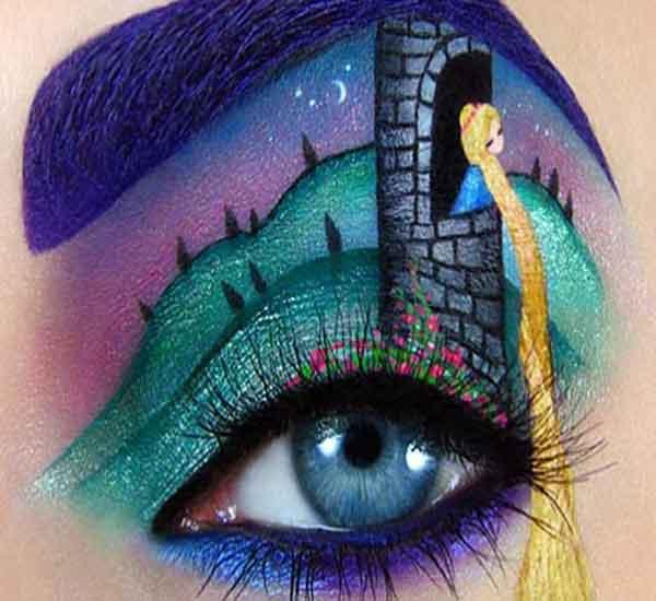 सुंदर डोळ्यांवर सामावलंय जग, असा मेकअप कुठेही पाहीला नसेल !| - Divya Marathi