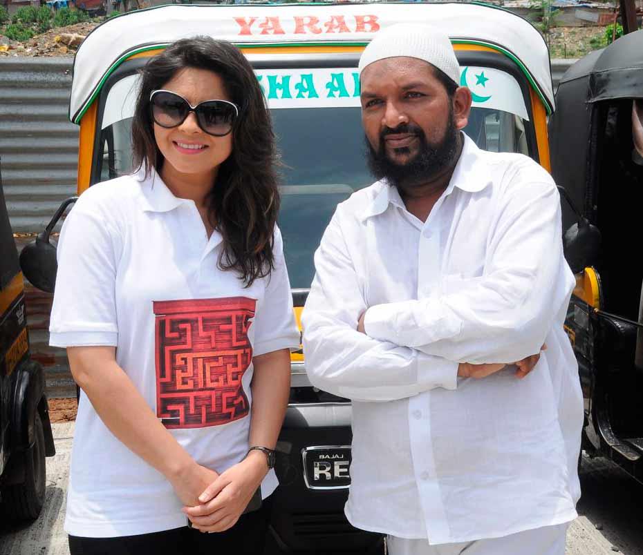 सोनाली कुलकर्णीला त्रास रिक्षावाल्याचा... जाणून घ्या कोण आहे हा रिक्षावाला|मराठी सिनेकट्टा,Marathi Cinema - Divya Marathi