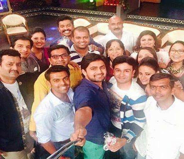 खासगी आयुष्यात बिनसल्यानंतरही मालिकेच्या प्रमोशनसाठी एकत्र आले शशांक-तेजश्री, पाहा कुठे? मराठी सिनेकट्टा,Marathi Cinema - Divya Marathi