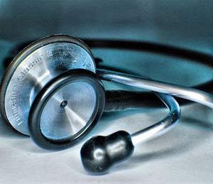 डॉक्टर्स डे: डॉक्टर चालतात, योगासने करतात अन् वाचतातही|सोलापूर,Solapur - Divya Marathi