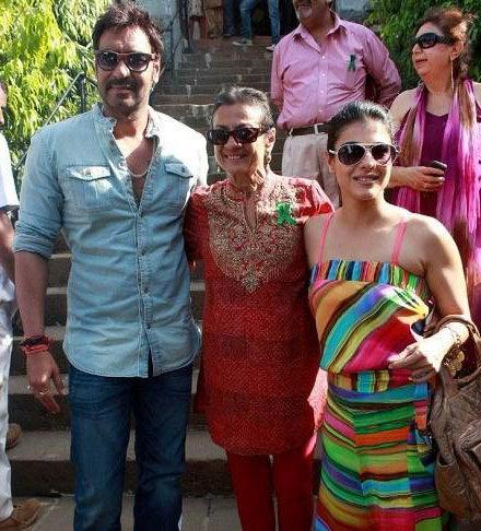 PHOTOS: काजोलपासून करीनापर्यंत, जेव्हा सासूंसोबत दिसले हे स्टार्स  - Divya Marathi