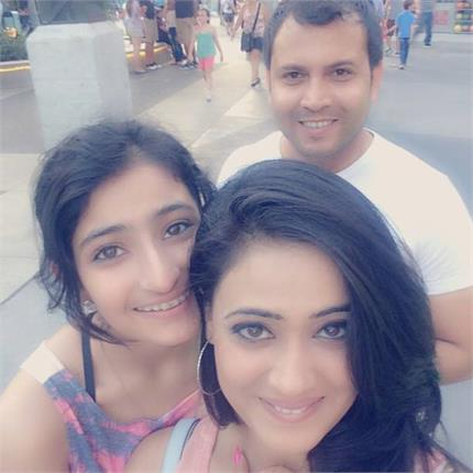 श्रीदेवीच्या मुलींप्रमाणेच ग्लॅमरस आहे श्वेता तिवारीची मुलगी, पाहा PICS|टीव्ही,TV - Divya Marathi