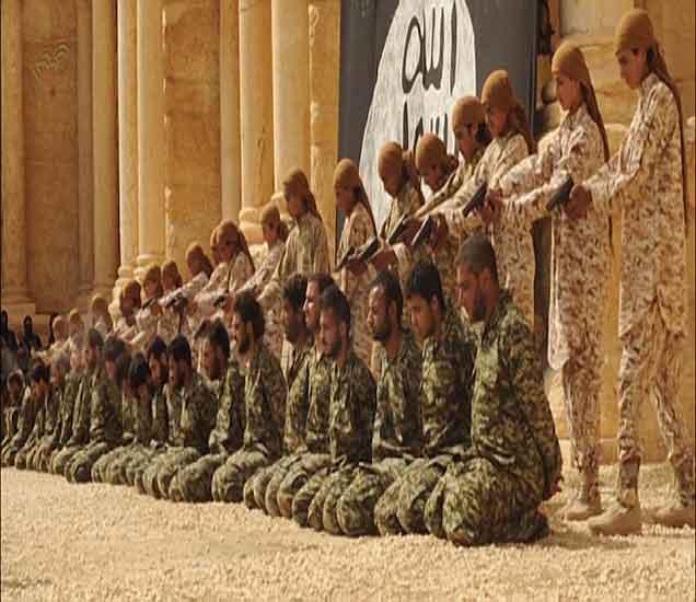 इस्लामिक स्टेटचा नृशंस व्हिडिआे जारी, २५ सैनिकांना घातल्या गोळ्या विदेश,International - Divya Marathi