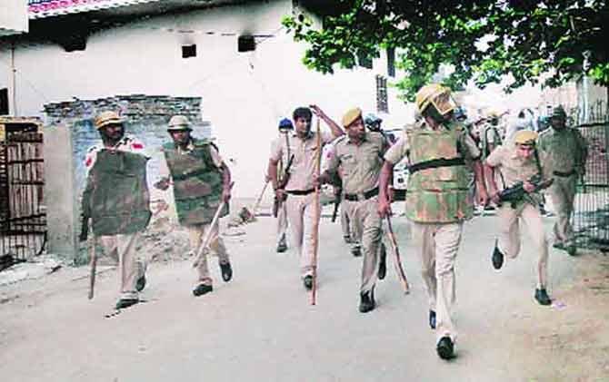 हरियाणा : बल्लभगड पाठोपाठ आता पलवलमध्येही धार्मिक तनाव; दगडफेकीत अनेक जखमी देश,National - Divya Marathi