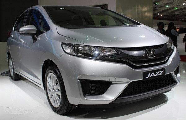 8 जुलैला लॉन्च होईल Hondaची नवी \'JAZZ\', मायलेज 27.3kmpl ऑटो,Auto - Divya Marathi