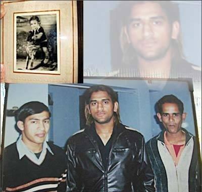 PHOTOS: ग्लॅमरस धोनी प्रसिद्धीपूर्वी असा होता अत्यंत साधासुधा|क्रिकेट,Cricket - Divya Marathi