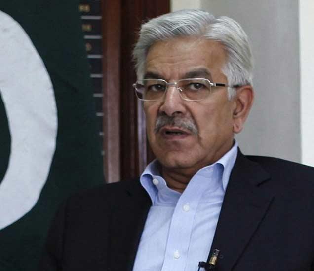 फाइल फोटो : पाकिस्तानचे संरक्षणमंत्री ख्वाजा मोहम्मद आसिफ - Divya Marathi