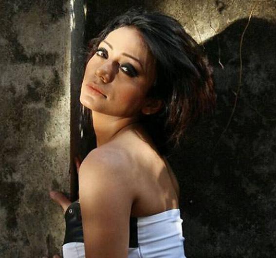 या टीव्ही अॅक्ट्रेसला एक्स बॉयफ्रेंडने भररस्त्यात केली मारहाण! टीव्ही,TV - Divya Marathi
